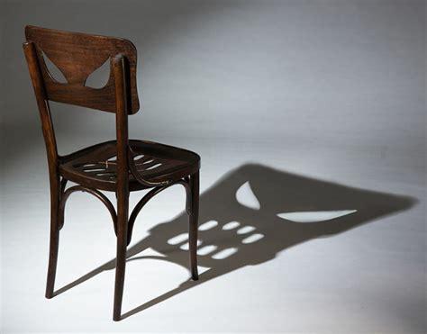 chaise qui fait peur