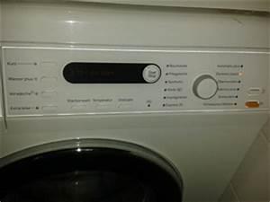 Waschmaschine Und Trockner Stapeln : haushalt waschmaschine trockner w sche kleidung sauberkeit waschmittel ~ Markanthonyermac.com Haus und Dekorationen