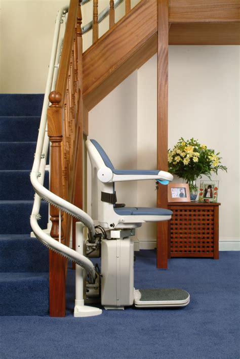 fauteuil monte escalier courbe