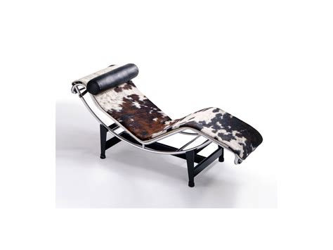 buy the cassina lc4 chaise longue at nest co uk