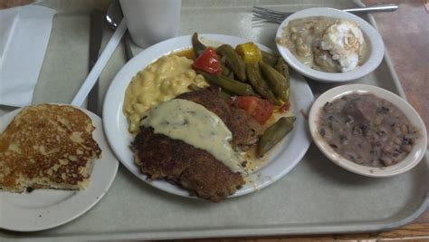 Arnold's Country Kitchen Roadfood