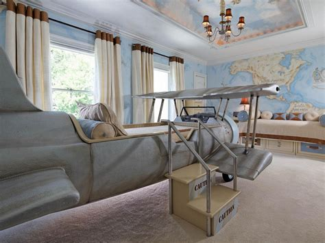 Inside The Frozen-inspired 'imagination Suites'
