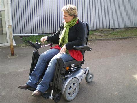 fauteuil roulant 233 lectrique 224 traction avant fdx fabriqu 233 par invacare