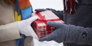 Holiday Gift Giving Etiquette - AskMen