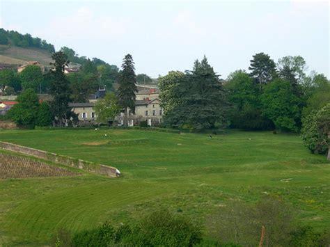 chateau de la salle beaujolais guest houses gite golf and wines lantigni 233 rh 244 ne