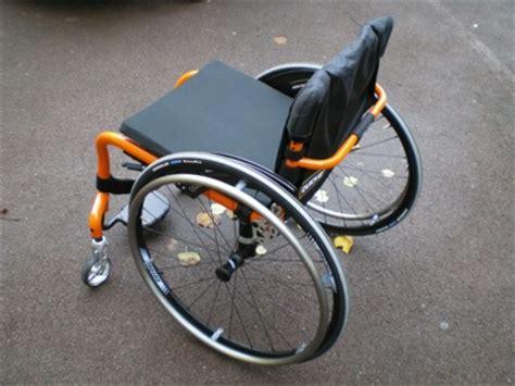 fauteuil roulant manuel 224 ch 226 ssis rigide helium fabriqu 233 par