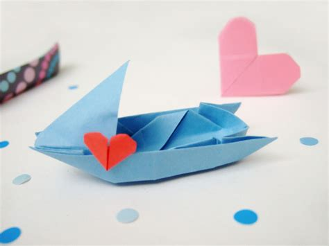 Origami Love Boat by A Fleet Of Origami Love Boats Bloomize