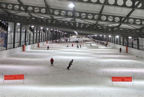 snowhall d 233 couvrez la seule et unique piste de ski indoor de vacances vues du