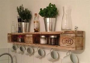 Küche Aus Paletten : regal aus paletten 51 budget freundliche diy ideen diy m bel zenideen ~ Markanthonyermac.com Haus und Dekorationen