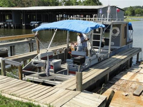 Pontoon Boats Tyler Tx by Suntracker Party Hut For Sale