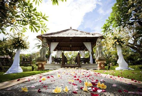 Discover The Best Destination Wedding Locations. Wedding Photographer Rome. Las Wedding Weddings. Wedding Photographer Houston Tx. Wedding Hall Place Bexley
