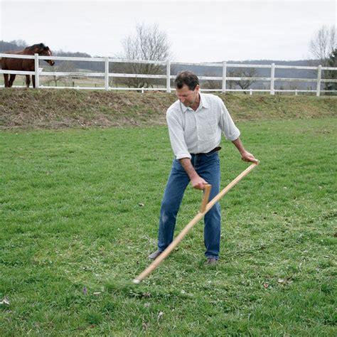 Gras Mähen Mit Der Sense  Mein Schöner Garten