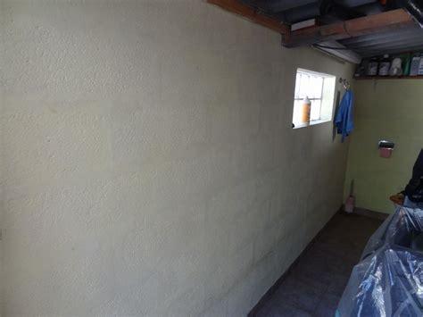 recouvrir un mur exterieur en parpaing cheap mur de clture ides with recouvrir un mur exterieur