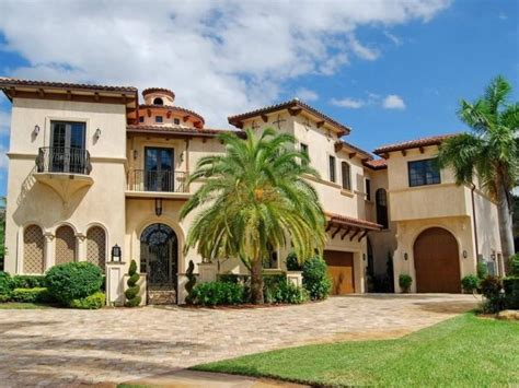 Mediterranean Style Homes :  An Architectural Melting Pot