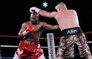 Roy Jones Jr. stops Bobby Gunn in eight, wants to continue ...