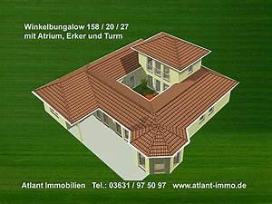 Bungalow 200 Qm : atrium 158 20 27 grosse hausansichten winkelbungalow mit erker und turm einfamilienhaus neubau ~ Markanthonyermac.com Haus und Dekorationen