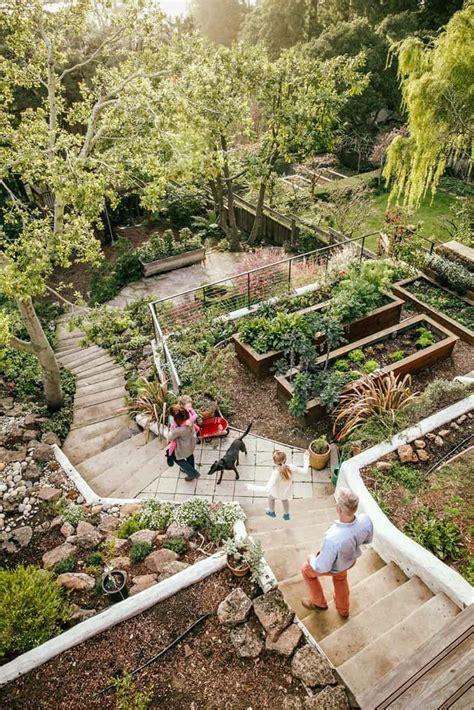 Slope Yard Ideas by 20 Sloped Backyard Design Ideas Designrulz