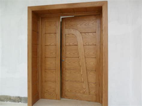 porte exterieur en bois massif freine sfax annonce