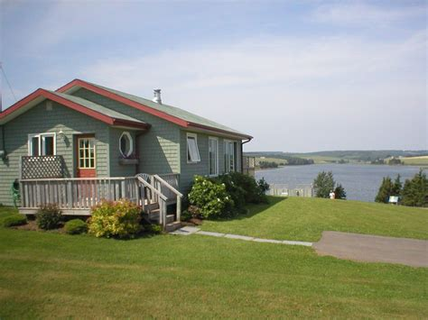 Seawinds Cottages  Rustico, Prince Edward Island Deluxe