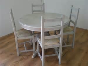 patine grise pour une table et des chaises nature cama 239 eu relooking de meubles