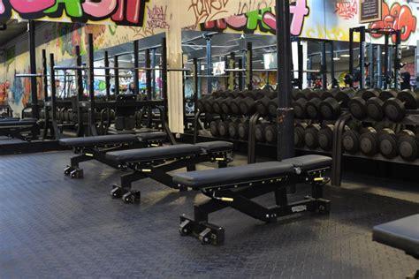 salle de sport roanne musculation et fitness gigagym fr