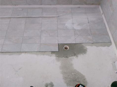 terrasse et piscine avec carrelage ext 233 rieur plombier pour d 233 pannage d urgence chauffe eau 224