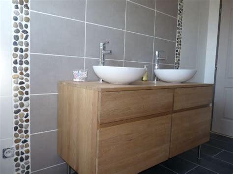 salle de bain taupe frise en galets salle de bain taupe messages et construction