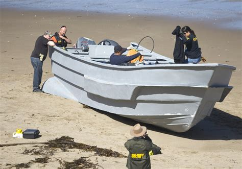 Panga Boat Lands In Crystal Cove by Gcaptain Radio Episode 29 Central Coast Of California Hit