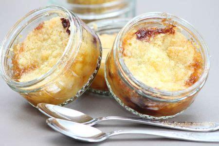 crumble au beurre sal 233 avec poires et chocolat mes gourmandises qu on se le dise