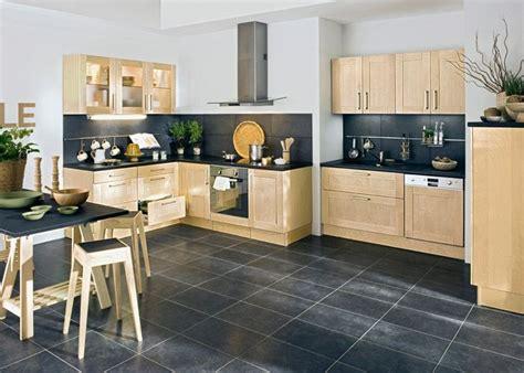 les 25 meilleures id 233 es concernant cuisine beige sur armoires de cuisine beiges