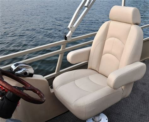 new 2012 bentley pontoon boats 203 cruise pontoon boat captains chair comfy bentley boats