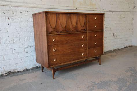 liberty 33rd mid century broyhill brasilia magna dresser chest