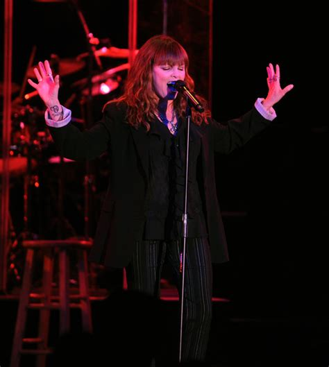 pat benatar in pat benatar and neil giraldo in concert zimbio