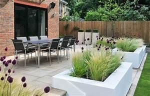 Gräser Kübel Terrasse : modernes pflanzdesign balkon terrassenpflanzen pflanzen f r k bel stipa tenuissima allium ~ Markanthonyermac.com Haus und Dekorationen