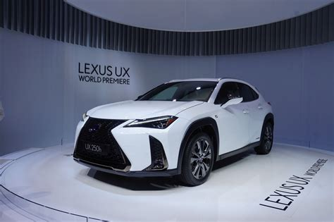 Tiny, Funky 2019 Lexus Ux Crossover Debuts 5 Things You