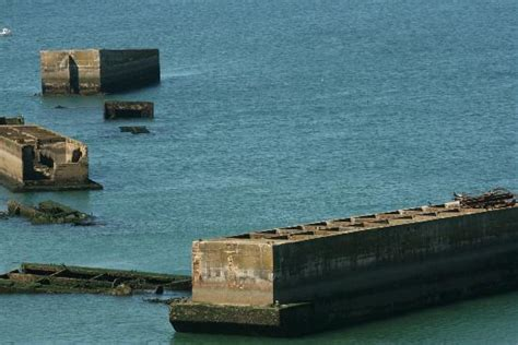 port artificiel d arromanches picture of gold evasion asnelles tripadvisor