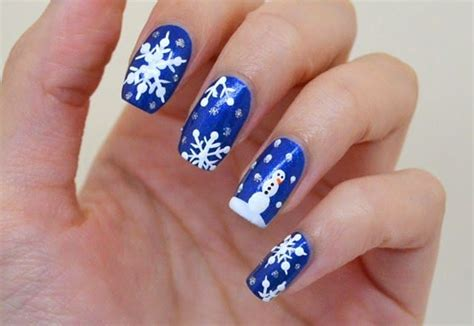 25 Exceptional Holiday Nail Art Designs 2018