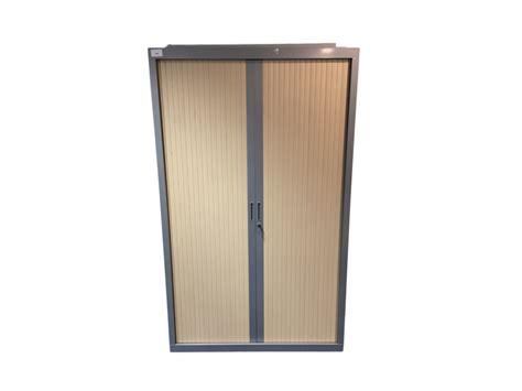 armoire de bureau d occasion 224 rideaux gris et bois clair