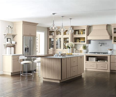 cabinets with glaze kemper cabinetry