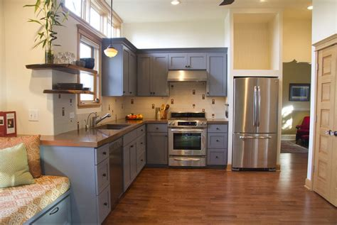 Popular Paint Colors For Kitchen Cabinets Modern Rustic Kitchen Wood Countertops For Kitchens French Cottage Mediterranean Cabinets Yellow Pages Kitchener Waterloo Cheap Makeovers How To Makeover Restaurant