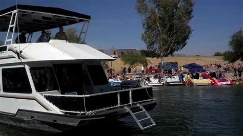 Boat Crash Havasu Video by Houseboat Crashes Boats The Channel Lake Havasu Youtube