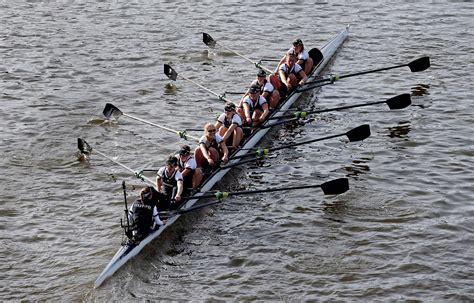 Dragon Boat Racing Vs Rowing by Boat Race 2015 Oxford V Cambridge Men Women Get
