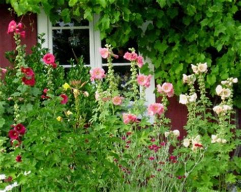 """Everything British """"design An English Country Garden With"""