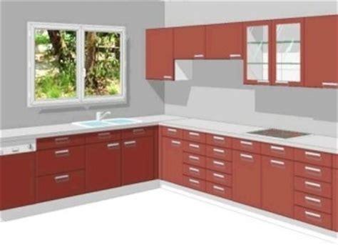 nettoyer des dessus de meubles dans une cuisine