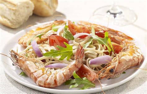 viande bbq marin 233 e et salade de tomates m 233 ridionale colruyt