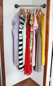 Kleiderstange An Wand : kleiderstange als diy idee f r die ausbreitung des kleiderschrankes room pinterest ~ Markanthonyermac.com Haus und Dekorationen