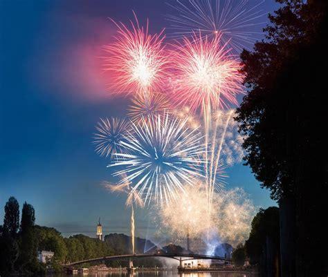 val de marne les bals et les feux d artifice du 14 juillet le parisien