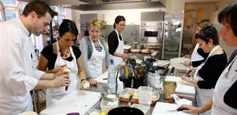 les cours de cuisine m 233 ritent ils leur succ 232 s capital fr