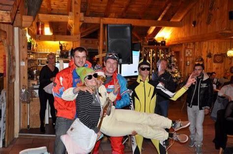 soir 233 e les bronz 233 s font du ski