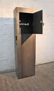 Standbriefkasten Mit Klingel : frei stehender rostiger briefkasten ~ Markanthonyermac.com Haus und Dekorationen